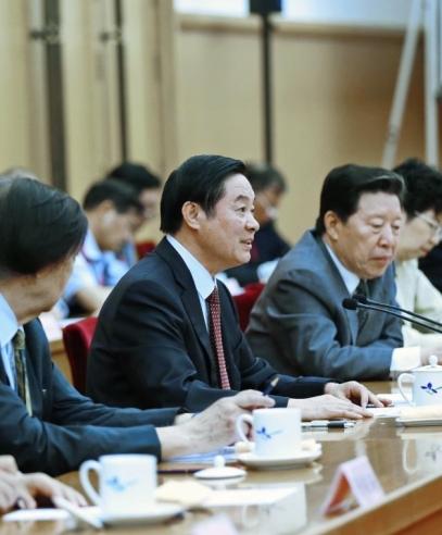 刘奇葆出席中国民间文艺家协会第九次全国代表大会开幕式