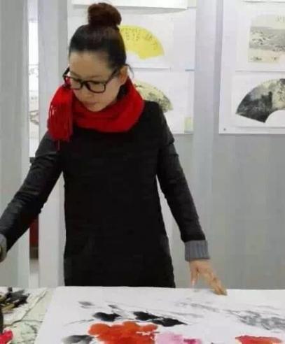 巾帼巧立花蕊间  多才多艺绘画人——专访安徽著名画家汪琼女士