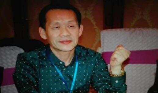 点划飞动情墨趣  内外皆美造化功――专访湖北省著名书法家朱向东先生